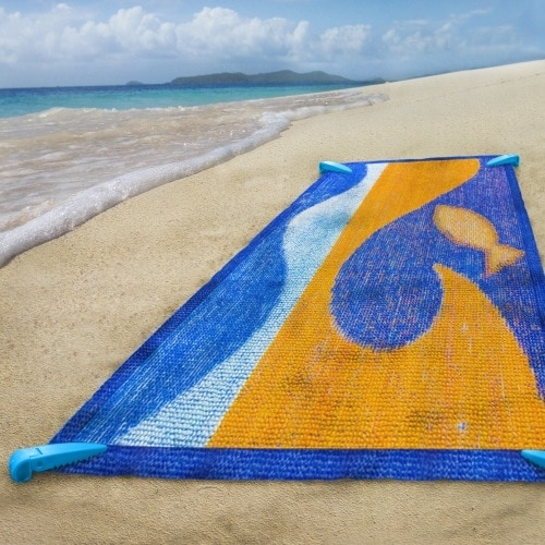 The Beach Towel Clip – Blue
