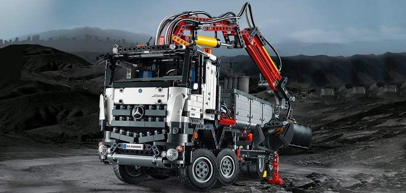 Climb aboard the awesome LEGO Mercedes-Benz Arocs 3245!