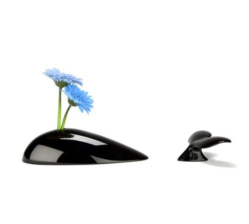 Mobi Whale Vase – Black