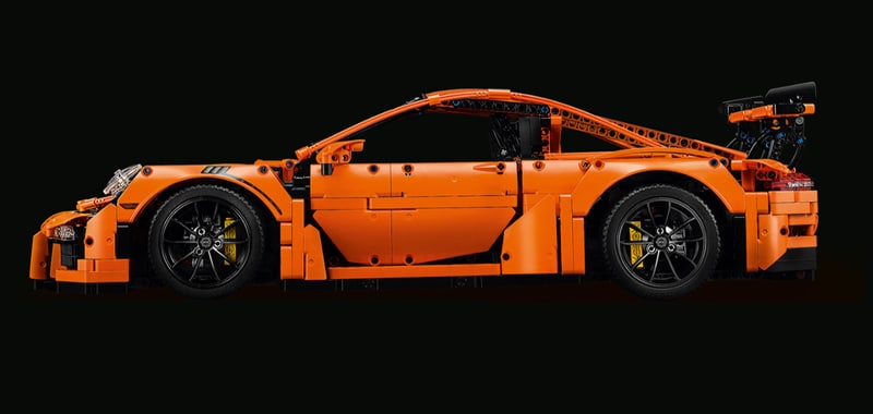Lego and Porsche collaborate on Lego Technic Porsche 911 GT3 RS