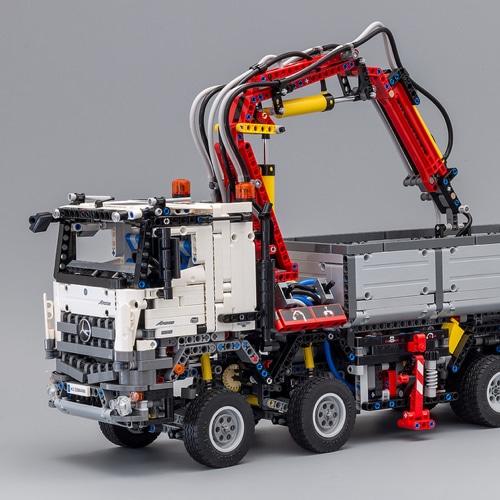Lego Technic Mercedes Benz Arocs