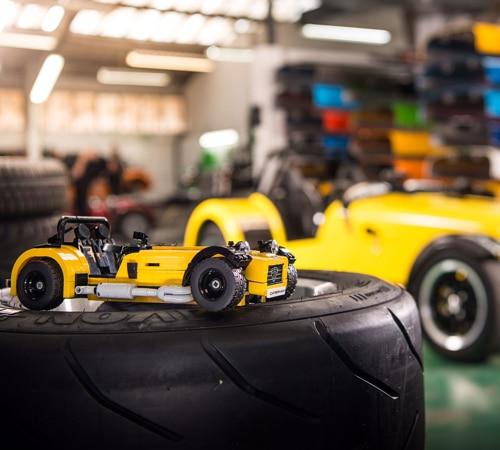 Lego Caterham Seven 620R Sports Car (21307)