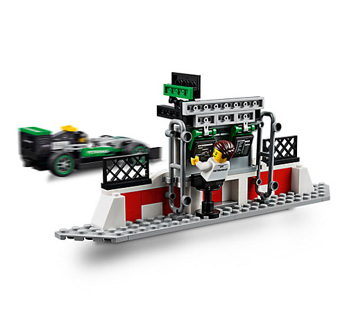 lego speed champions mercedes amg petronas formula one team 75883 yuppie gadgets. Black Bedroom Furniture Sets. Home Design Ideas